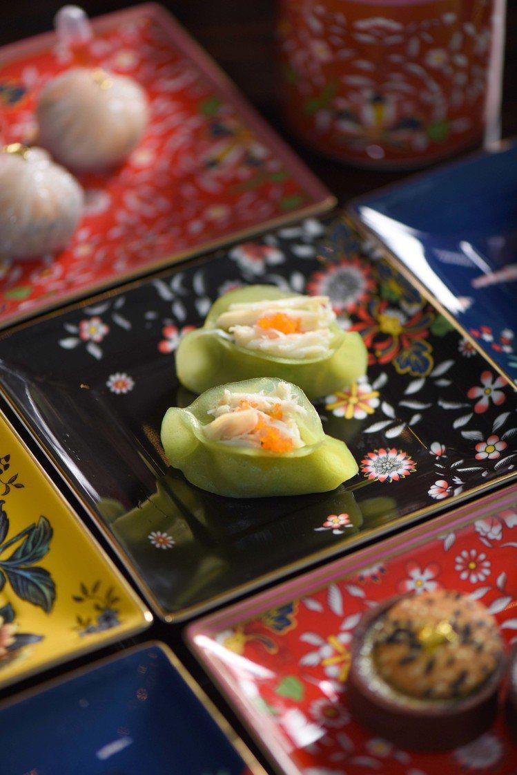「FLOWERY YEN 花艷」下午茶中,牛肝菌菩提素菜包。圖/Wedgwood...