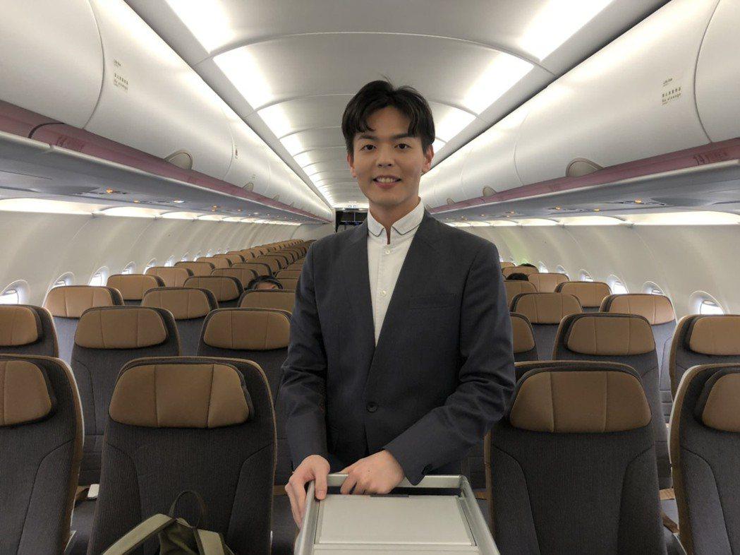 被稱為「星宇宋仲基」的27歲空服員李貞毅。記者侯俐安/攝影