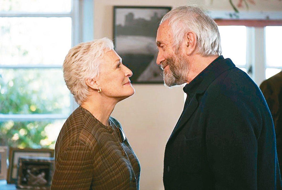 「愛.欺」講述夫妻之間的謊言與親密互動,讓丁寧印象相當深刻。 圖/威視提供