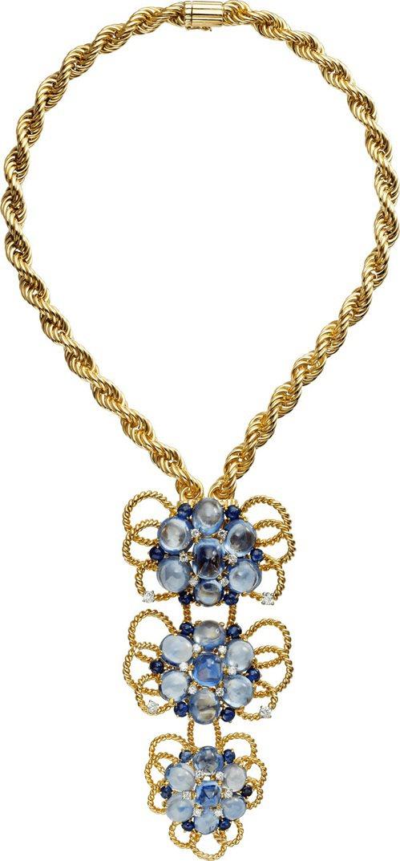 宛如金繩般的扭索項鍊,呈現出新女性時期的珠寶工藝特色。 圖/卡地亞 提供