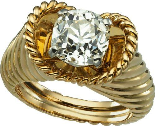 卡地亞古董珍藏系列Chevaliere 戒指,1957年。 圖/卡地亞 提供
