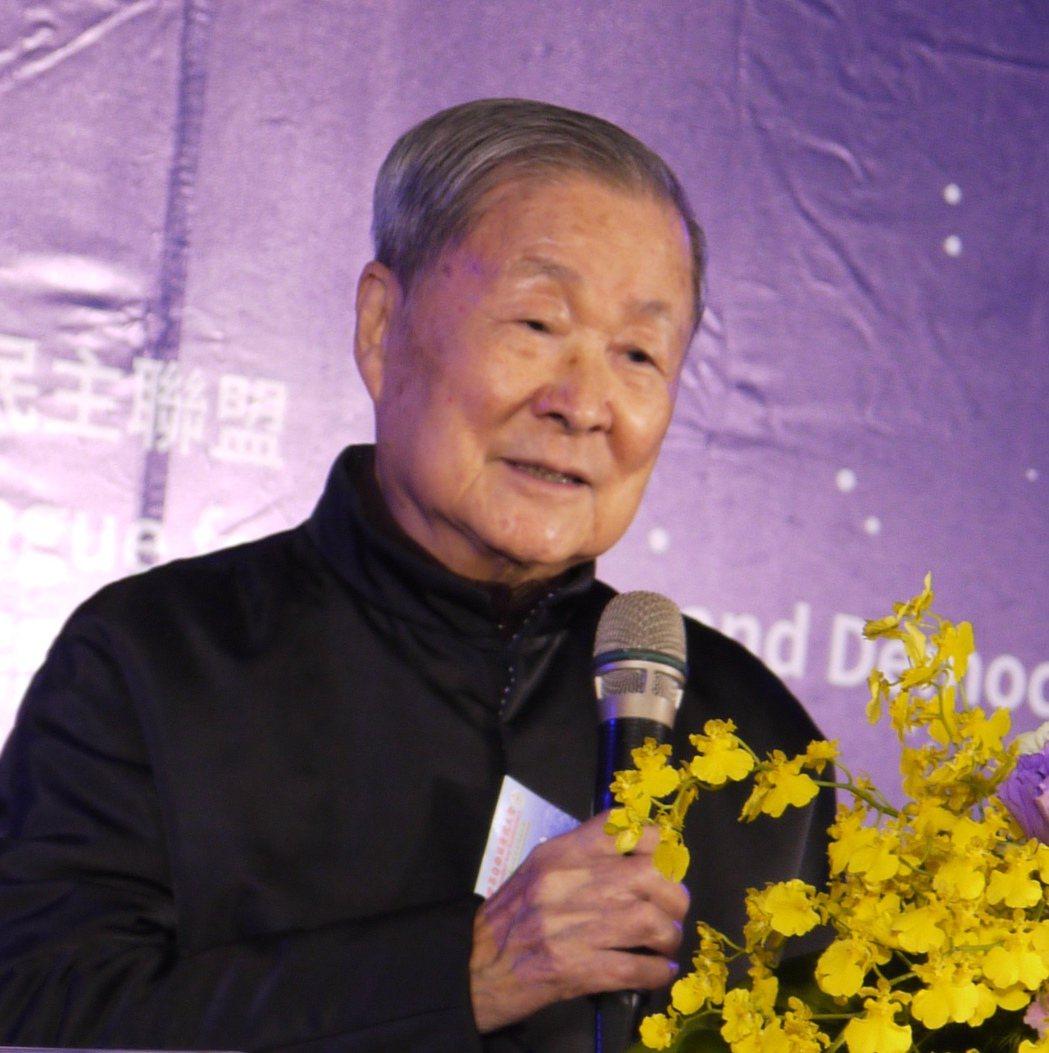 世盟中華民國總會總會長饒穎奇蒞臨「一二三自由日慶祝大會」致詞。