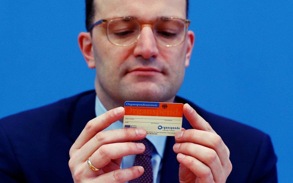 面對器捐者人數持續在低谷徘徊,另一頭卻是焦急等待器官移植的漫長名單,德國健康部長...