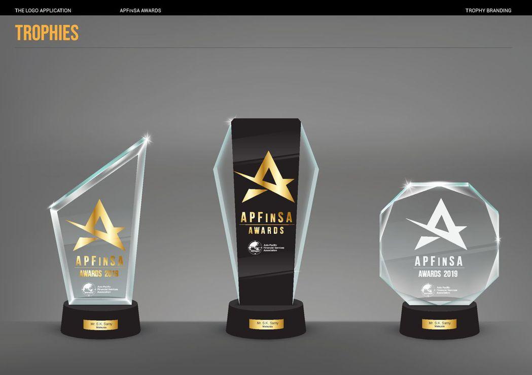 首屆「APFinSA Awards(亞太保險獎)」─國際榮耀獎座。IFPA/ 提...
