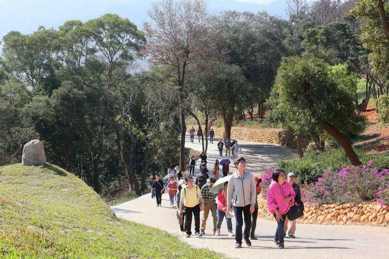 台開新埔雲夢山丘將在農曆春節期間舉辦「花鳥溫泉季」,歡迎鄉親1月26日大年初二至2月2日初九到新埔走春。圖/台開集團提供