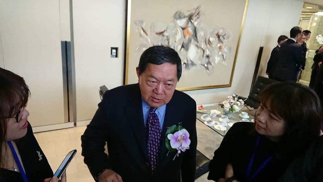 遠東集團董事長徐旭東開玩笑表示,這次5G頻譜競標是「全球第一貴」。 記者黃淑惠/...