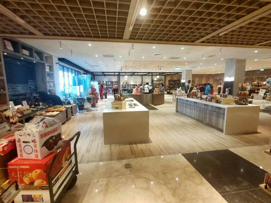 台南市麻豆區農會超市空間大改造,提供更優質的購物環境。記者吳淑玲/翻攝