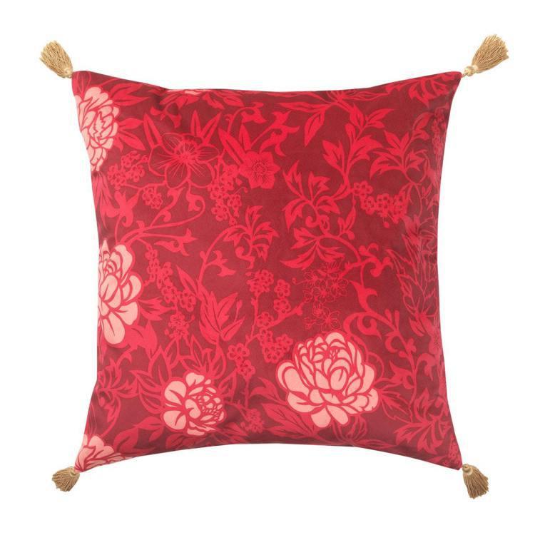 IKEA SOLGLIMTAR靠枕,售價249元。圖/IKEA提供