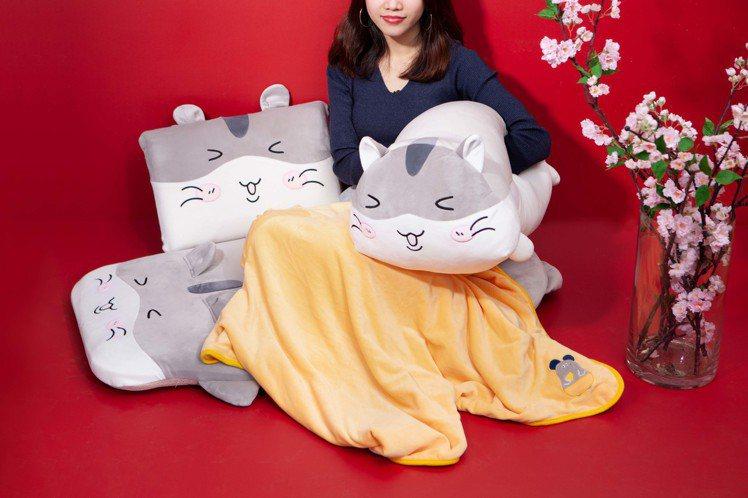 生活工場超人氣的低反彈地墊、抱枕系列配合金鼠年推出萌系黃金鼠造型。圖/生活工場提...