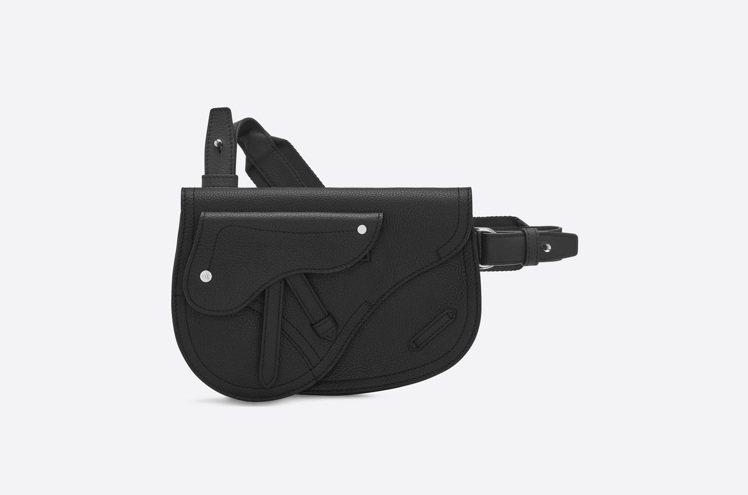 DIOR MEN黑色馬鞍腰包,售價62,000元。圖/DIOR提供