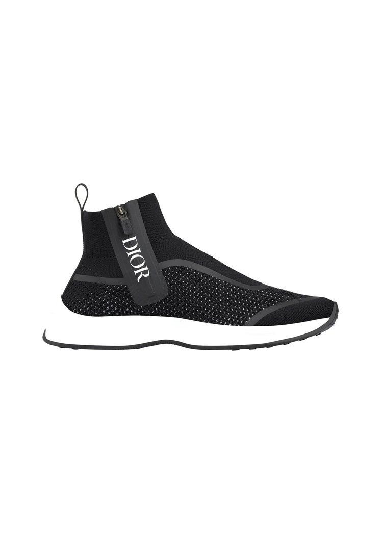 DIOR MEN B25黑色高筒運動鞋,售價29,000元。圖/DIOR提供