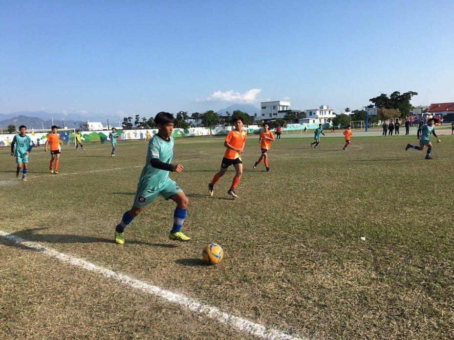 長治國中足球隊為屏東縣內歷史最悠久的足球隊。圖/長治鄉公所提供
