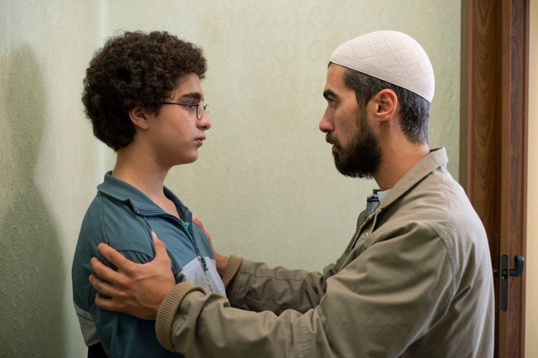 阿罕默德與引導他誤解教義的伊瑪目。捷傑提供