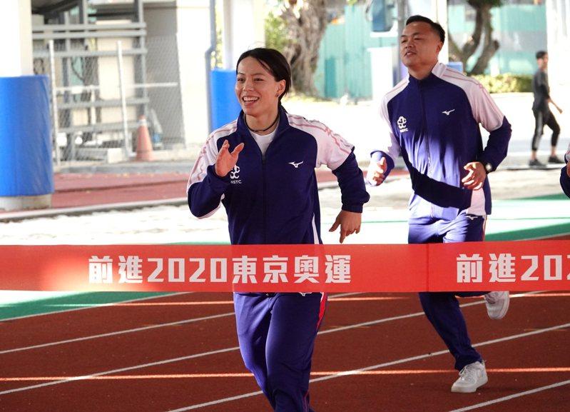 舉重好手郭婞淳(左)與標槍好手鄭兆村。記者毛琬婷/攝影