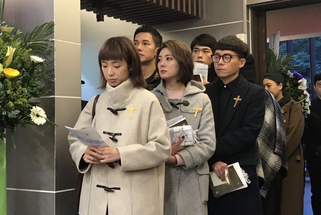 「女力報到」演員梁舒涵(左起)、楊雅筑、梁瀚名也出席致意。記者王郁惠/攝影