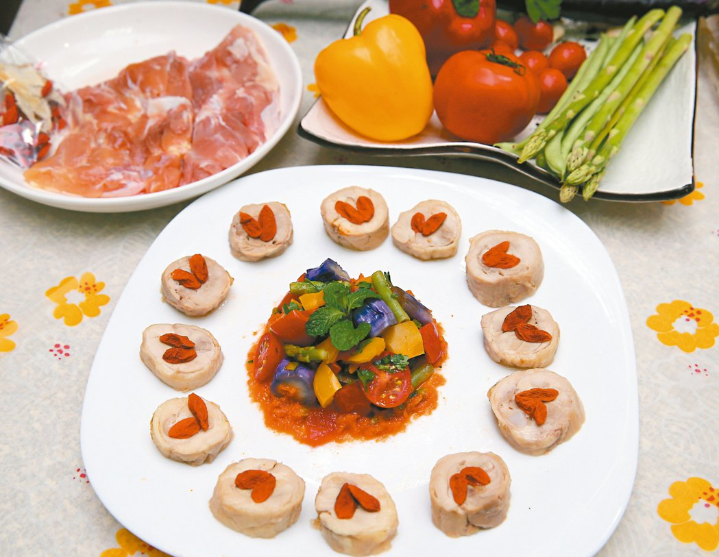 紹興醉雞+茄汁燉彩蔬。 記者曾吉松/攝影