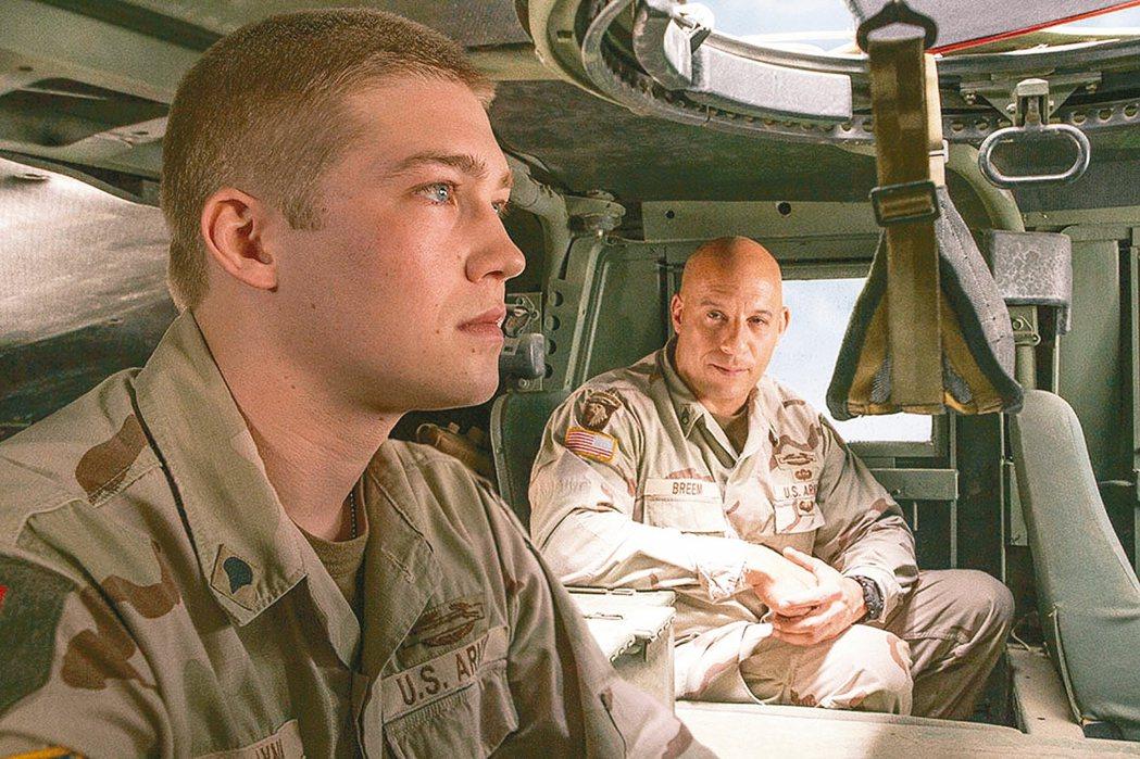 丁寧認為「比利・林恩的中場戰事」是一部正視創傷的動人電影。 圖/双喜提供