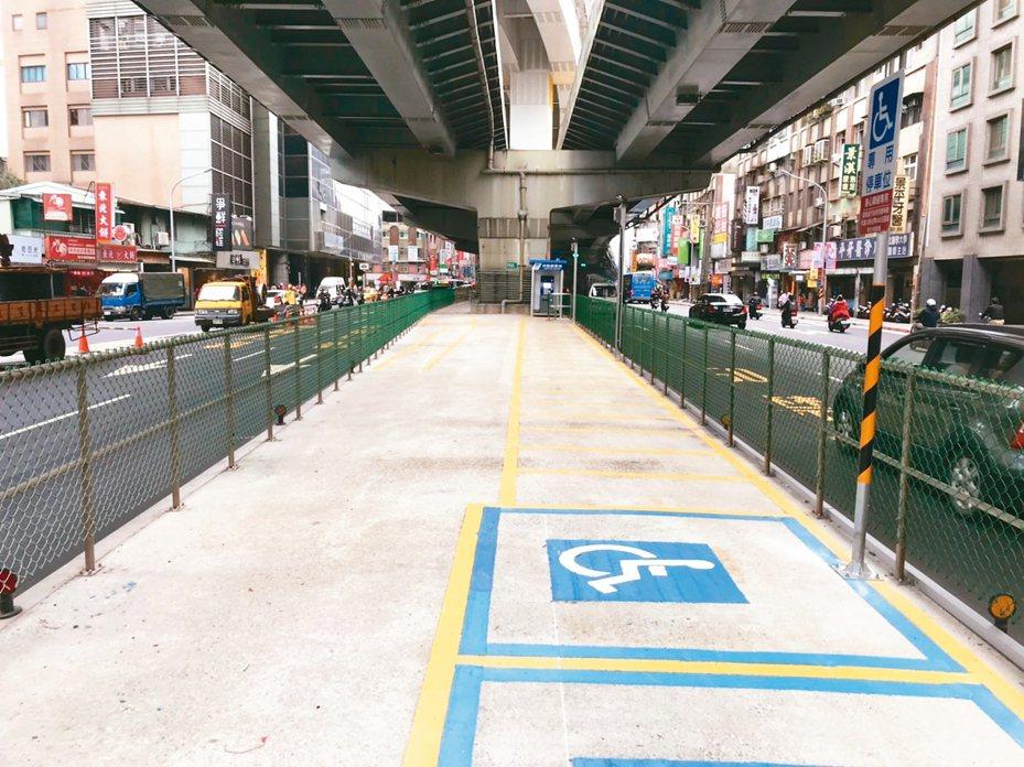 捷運景安站、景平站附近有A、B、C區3處機車停車場,共計745個機車停車位,今天開放免費試停。 圖/新北市交通局提供