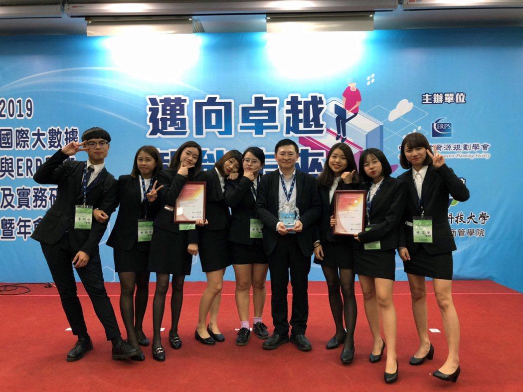 龍華科大致力提升創新研發能量,打造學子職場黃金競爭力。龍華科大/提供