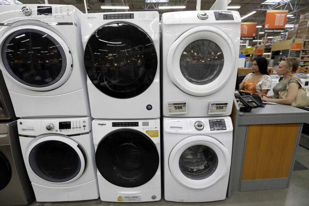 英國里茲大學研究指出,用25度的水溫洗衣服半小時,釋出的微纖維較少又省電。美聯社
