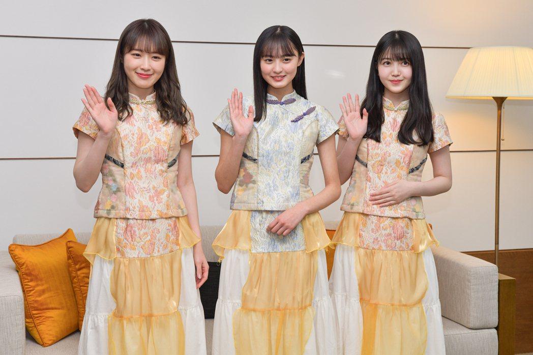 高山一實、遠藤櫻、久保史緒里跟台灣粉絲打招呼。圖/sony music提供