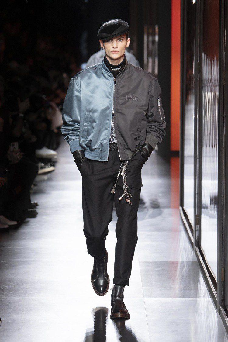 流淌於灰色、藍色調中的絲質面料,讓本季男裝散發貴公子的優雅氣氛。圖/DIOR提供