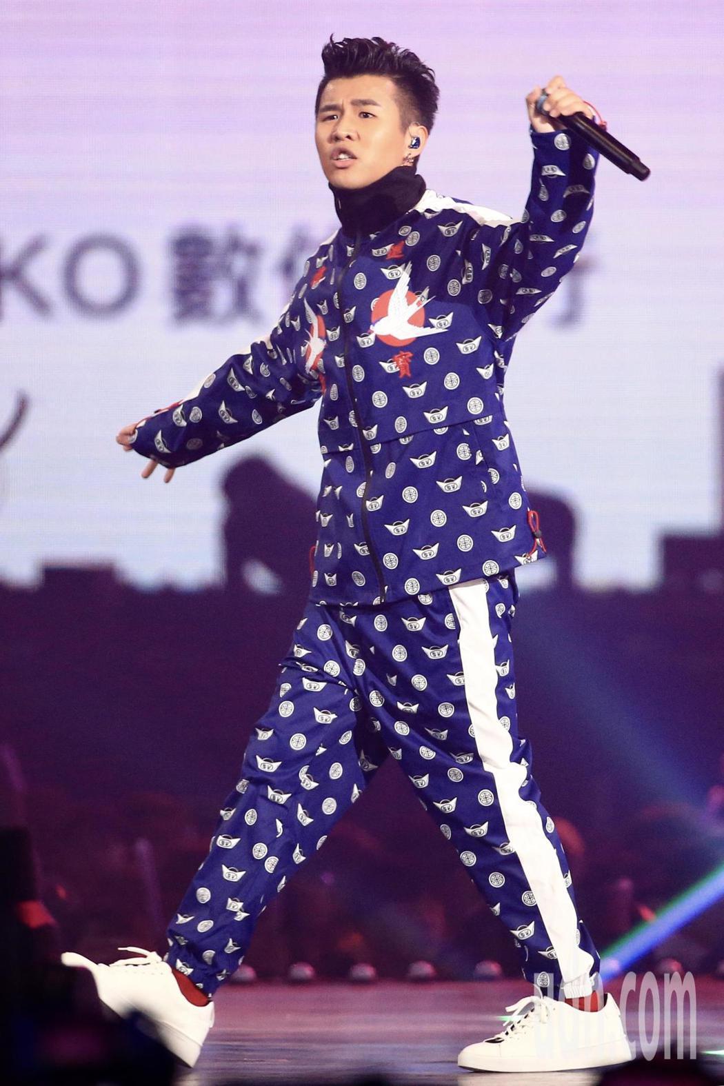 第15屆KKBOX風雲榜頒獎典禮,潮流新聲屁孩演唱。記者林伯東/攝影