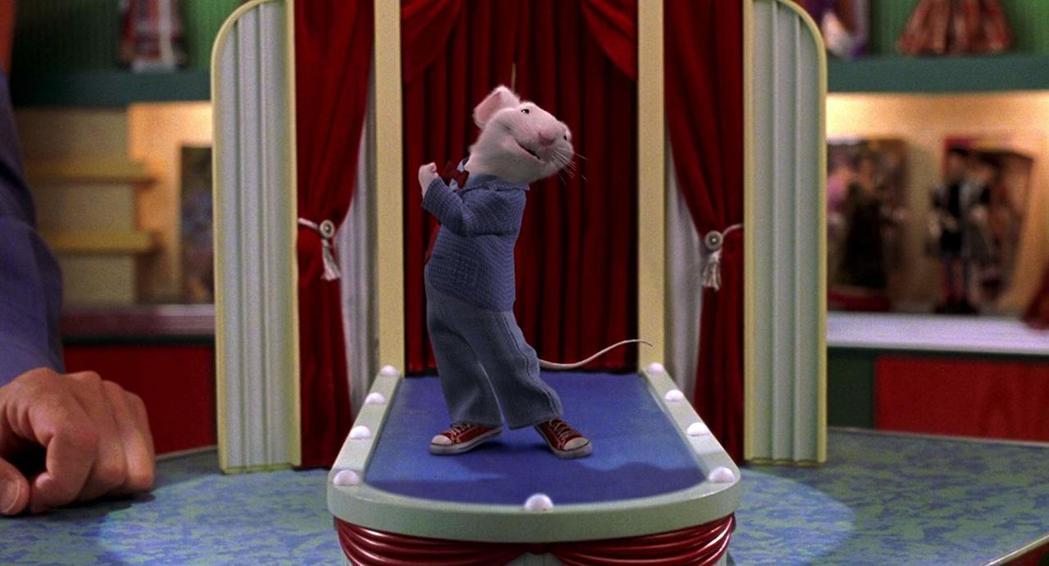 「一家之鼠—小史都華」特效結合真人的視覺效果頗佳。圖/摘自imdb