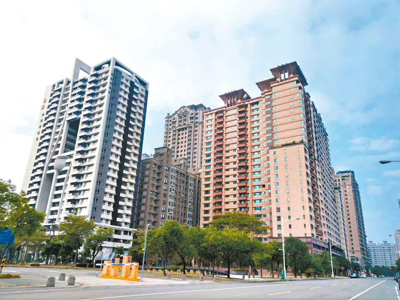 大選過後,房市看漲,台灣消保會呼籲消費者要冷靜、多比較,也要適度抵制房價上漲。 ...