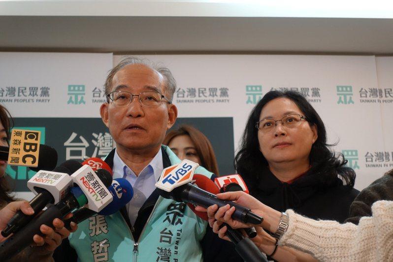 民眾黨祕書長張哲揚(左),昨天公布評鑑民眾黨不分區立委是否適任的三規定。 記者楊正海/攝影