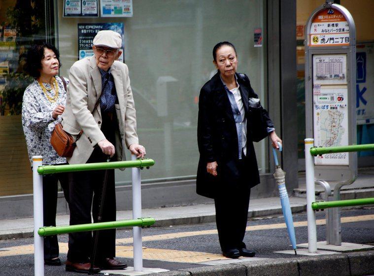 日本男性預期壽命是81歲,女性則是87歲,日本是世界上預期壽命最長的國家。 (路...