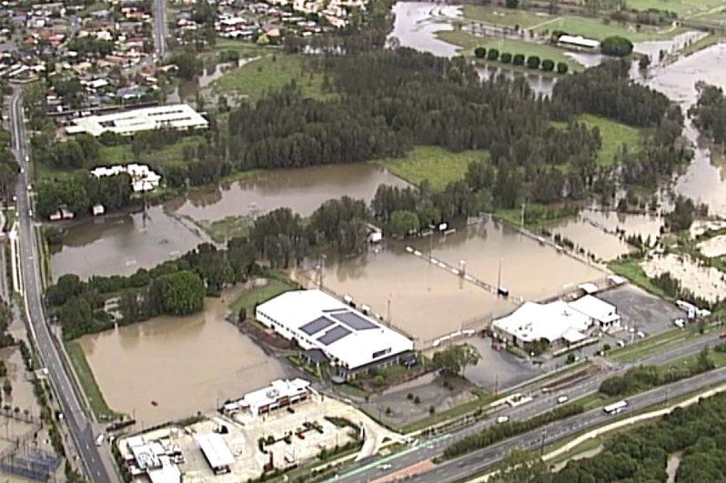 澳洲東岸部分地區今天遭受強烈暴風雨侵襲,澆熄數月以來蹂躪當地的部分野火,但也導致道路封閉及洪水暴發。 美聯社