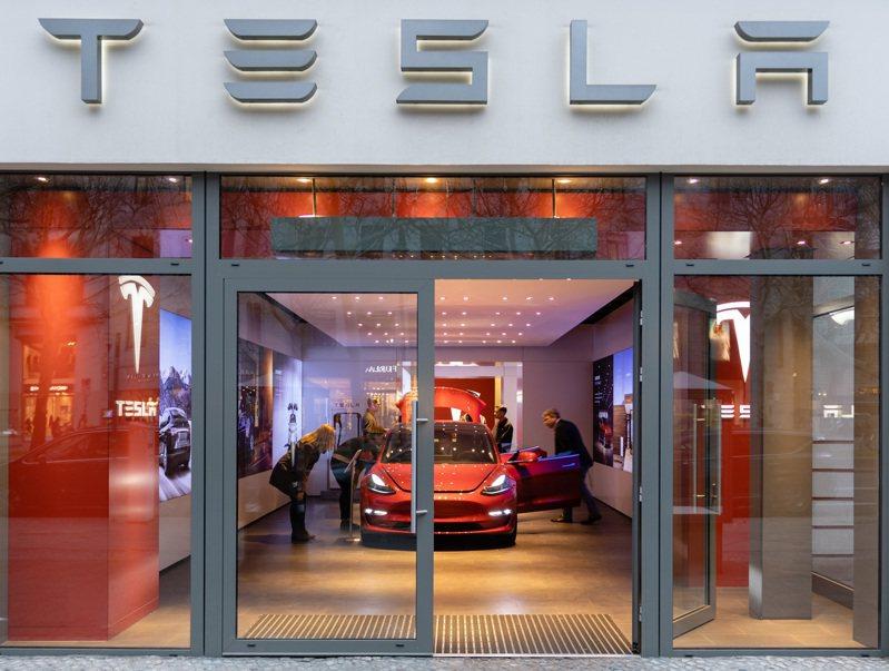 示意圖,非當事人。美國電動車大廠特斯拉(Tesla)計畫在柏林郊區設立超級工廠,大約250名德國民眾今天到設廠地點抗議,宣稱這樣的建設將會危害區域內的水源供應和野生生物。 歐新社