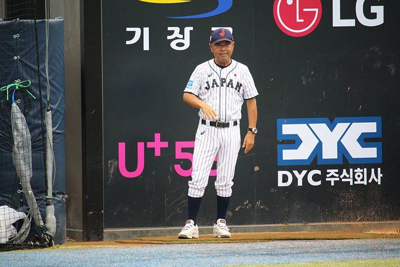 U18世界盃日本對戰澳洲之戰,竟然傳出日本隊總教練永田裕治要求球員偷暗號,讓人覺...