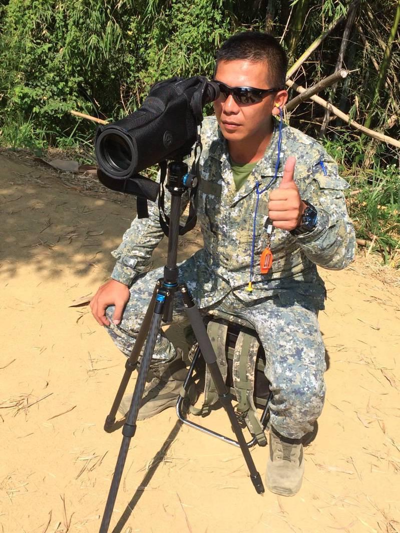 薛鈞耀在療程期間,還曾數度向醫院請假回到機步333旅,協助單位執行體能戰技、二類狙擊手、三類特等射手等訓練,堅持不願放棄現有的軍中職涯與崗位。圖/薛鈞耀提供
