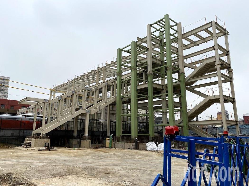 交通局長劉慶豐表示,興建客運總站預計最快也要等7、8年,未來可能建在中和路上中壢...
