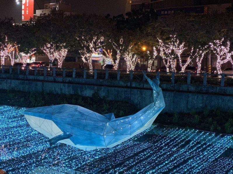 今年春節期間,屏東縣從南到北都有活動,圖為位於屏東市區的屏東綵燈節。圖/本報資料照片