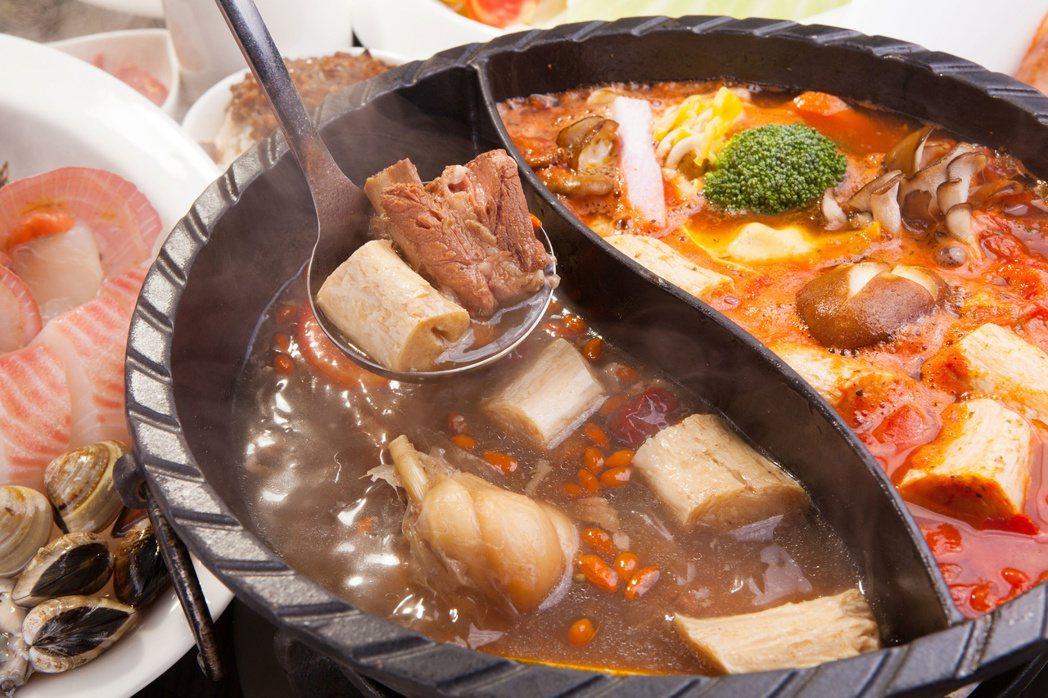 冬天吃麻辣鍋或十全大補湯暖身子,睡醒眼睛不適恐是補過頭。 圖╱123RF