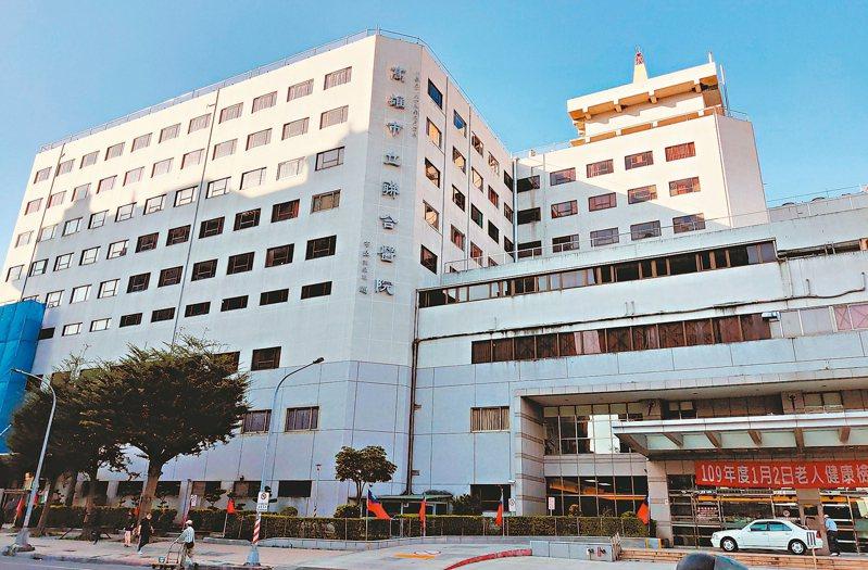 高雄市立聯合醫院成立逾40年,因應當地人口成長,醫療需求增,已向市府爭取到後方2千多坪土地,作為未來院區擴建基地。 記者蔡容喬/攝影