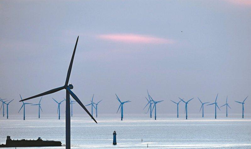 位於英格蘭西北方外海的布爾波風力發電廠。 (法新社)