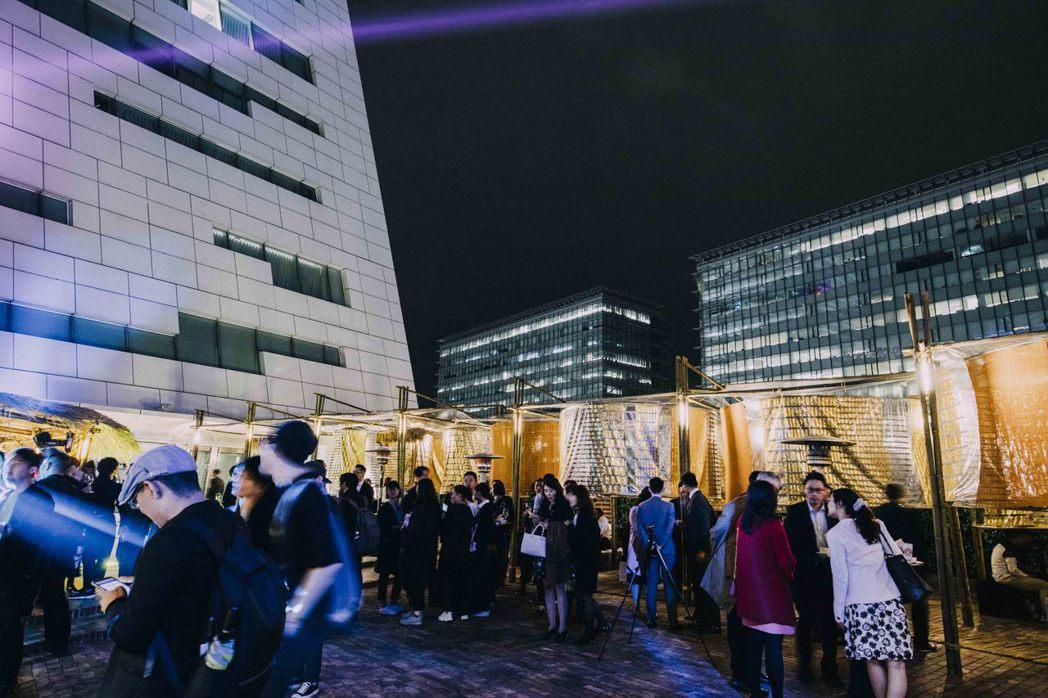 中信銀行舉辦「中信FUN藝夜」邀請近300位VVIP客戶與10餘國駐臺使節、代表...