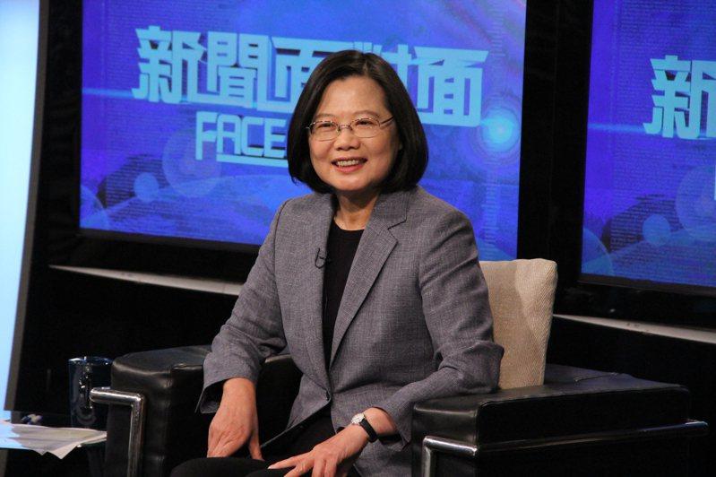 蔡總統接受年代「新聞面對面」專訪。 圖/年代「新聞面對面」提供