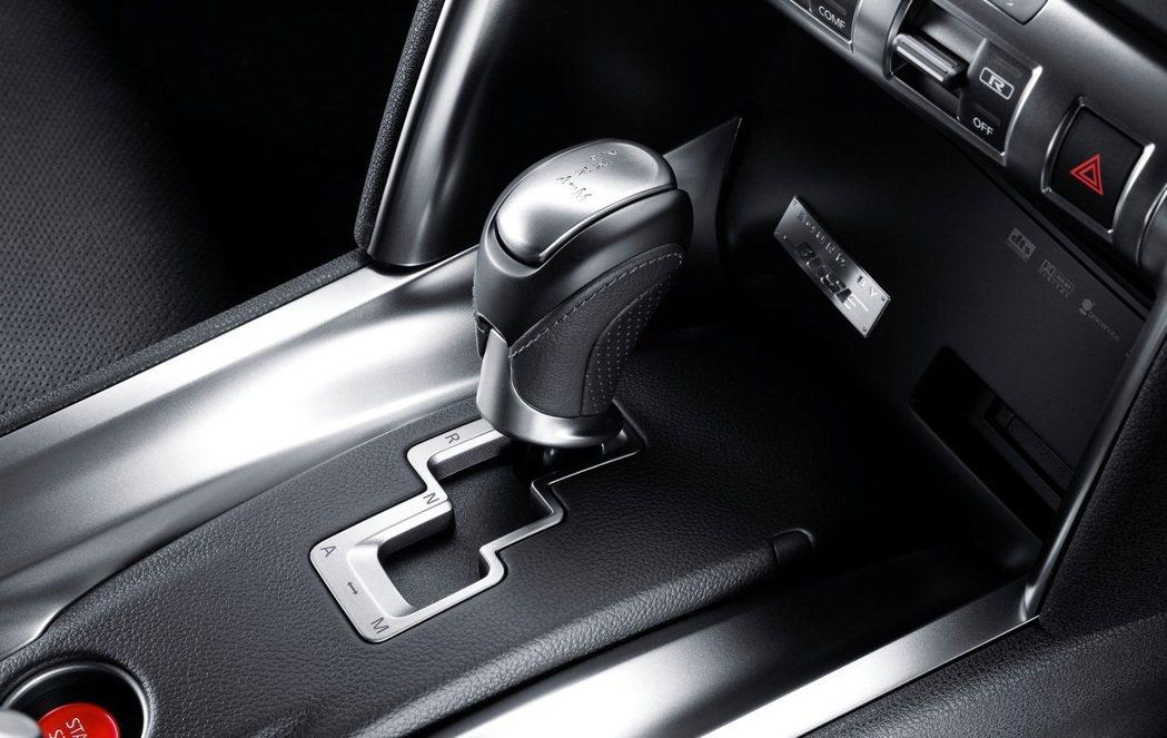 日系性能車款上仍會使用DCT。 圖/Nissan提供