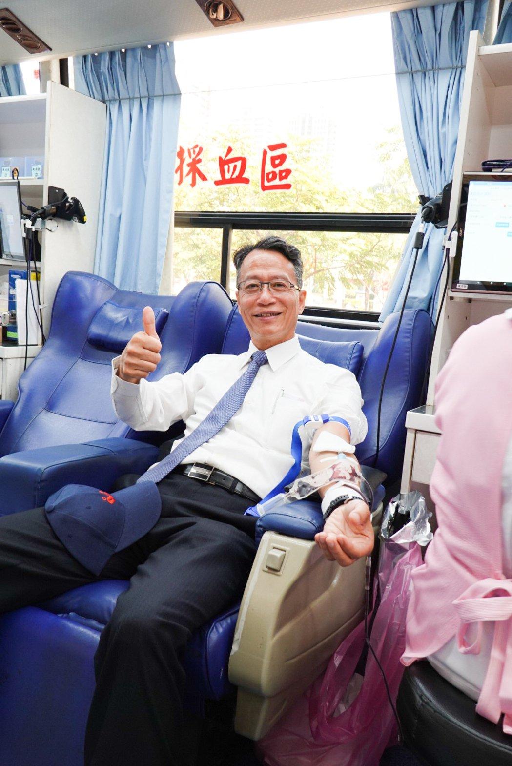 園冶獎主任委員洪光佐響應捐血。 攝影/張世雅
