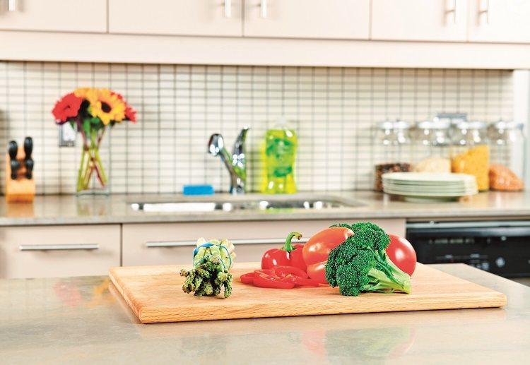 廚房是料理食物的場所,清潔與否和家人的健康息息相關,如果使用太多化學清潔劑,一來...