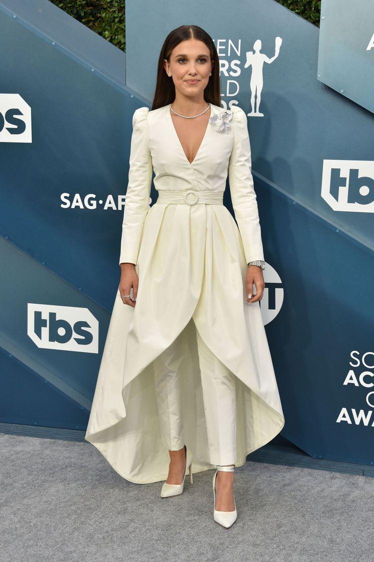 米莉芭比布朗選穿LV訂製蓬裙褲裝。圖/摘自Saipagesix.com