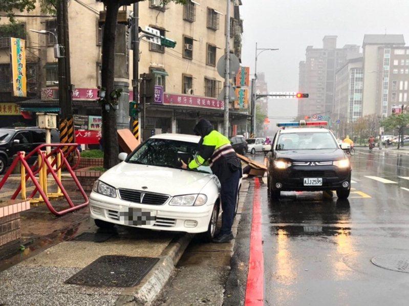 基隆市警三分局舉發交通違規案件中,以違規停車最多。記者邱瑞杰/攝影