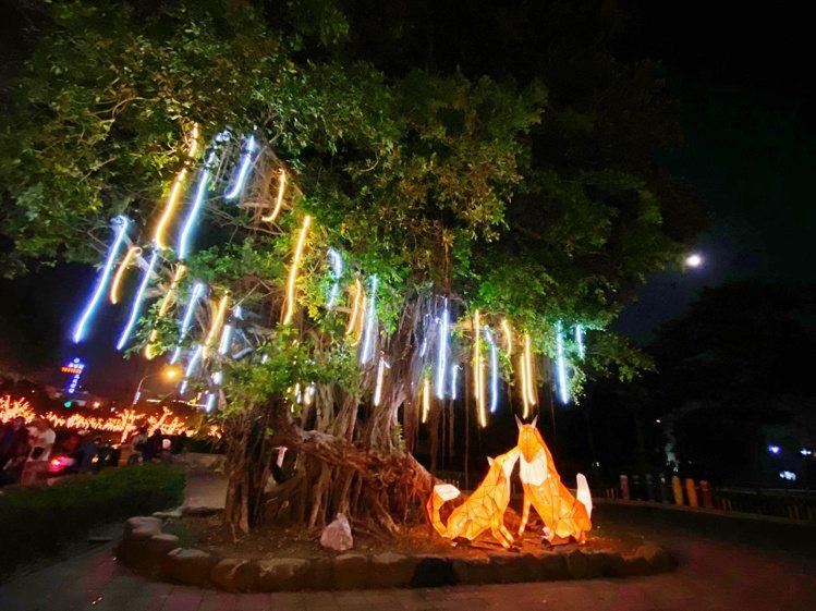 屏東綵燈節每年都有不同主題,今年以森林動物派對為主題。記者魏妤庭/攝影