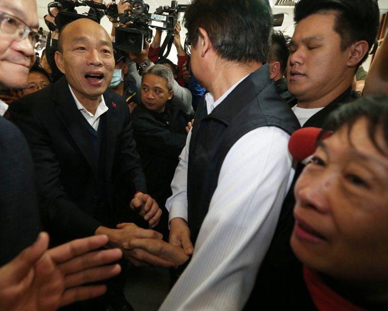 高雄市長韓國瑜今天被問到對黨改革的看法,他說,眼前就是以市政為重,對黨的改革雖有關心,但不便評論,「No comment!」本報資料照片