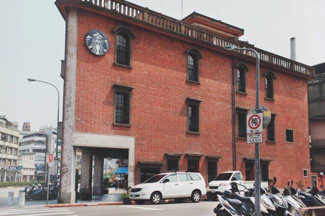 星巴克台北「艋舺門市」。圖/星巴克提供